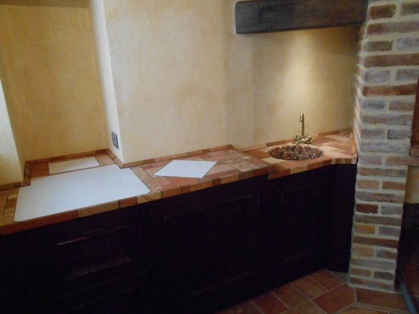 <span>Piano impasto con lavandino</span><i>→</i>