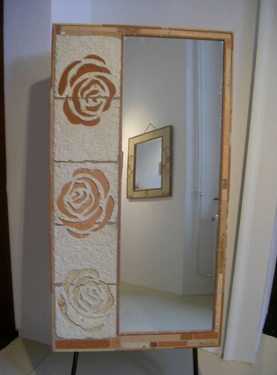 specchiera tre rose ad intarsio